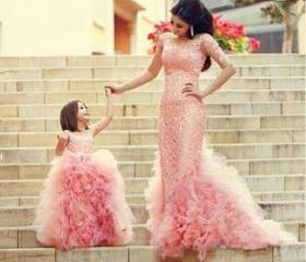 Blush Ball Gown Lace Flower Girls Dresses Cheap Tulle Sheer Neck Girls Pageant Dresses Long New 2016 Flower Girl Dress