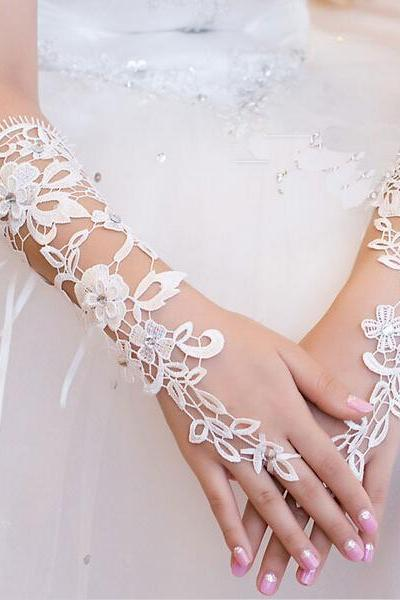 2018 Free Shipping High Quality Lace white Ivory Glove Cheap Wedding Bridal Gloves fingerless wedding gloves Dress